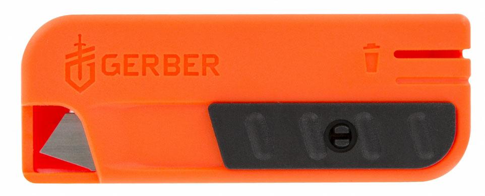 Нож туристический Gerber Vital Replacement Blades31-002739Gerber Vital Replacement Blades — это удобный складной нож, который может вам пригодиться в хозяйственных целях в городе либо во время поездок за его пределы. Бритвенно острое лезвие этого ножа — выдвижное, а при необходимости его можно заменить новым.Модель Gerber Vital Replacement Blades сделана компактной и легкой. Этот нож изготовлен по принципу строительных или канцелярских ножей. Его можно использовать для разрезания упаковок, веревок и других предметов. Лезвие этого ножа выполнено из качественной стали 420НС. Эта марка относится к нержавейкам, что делает ее прекрасным вариантом для ножей, которые могут использоваться в условиях высокой сырости, не нуждаясь, при этом, в постоянном сложном уходе. Заточка режущей кромки у этой модели полностью ровная. Лезвие выдвигается при помощи простого механизма, расположенного на корпусе ножа. Сам же корпус сделан из яркого и прочного пластика. Он будет хорошо заметен на любой поверхности, поэтому вы легко найдете свой нож и в городе, и на природе. В комплект в Gerber Vital Replacement входят 12 сменных лезвий. Отработанные затупившиеся лезвия можно хранить в специально предназначенном для этого контейнере.Нож Vital Replacement Blades легко помещается в карман и может использоваться всюду, где вам потребуется его помощь.Особенности:складная модель;клинок с возможностью замены;используется сталь марки 420НС;длина лезвия равна 7,1 см;корпус из прочного и яркого пластика;сменные лезвия в комплекте.Гарантия: Ножи Vital Replacement Blades продаются с пожизненной гарантией.