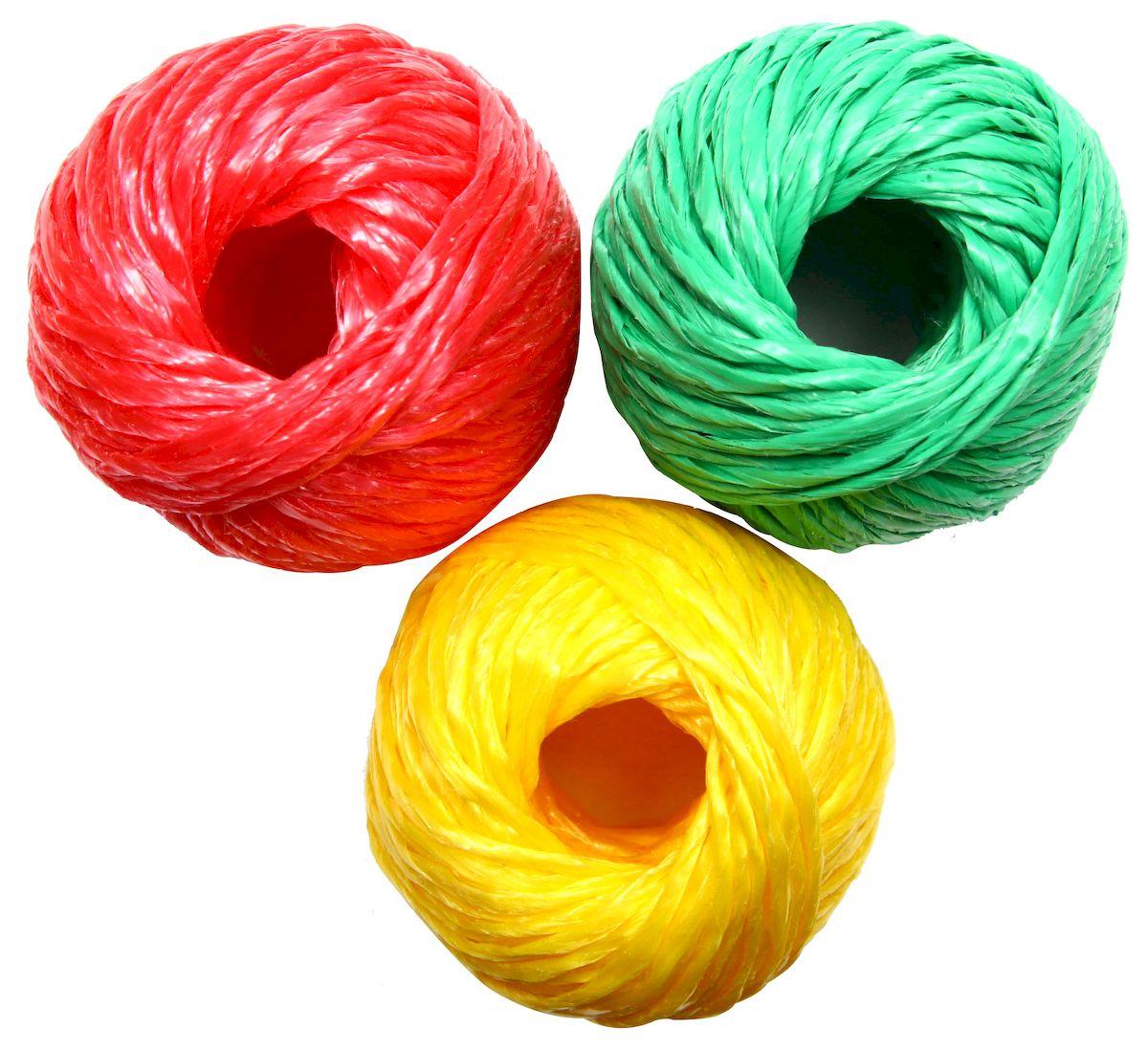 Шпагат Proffi Светофор, цвет: красный, зеленый, желтый, 1100 текс, 30 м, 3 штPH6552Шпагат Proffi Светофор незаменимый помощник в быту в качестве обвязочного материала и для подвязывания различных сельскохозяйственных культур. Шпагат полипропиленовыйобладает большой стойкостью к многоразовым изгибам, устойчивостью к истиранию, на него не влияют органические растворители, он невосприимчив к воздействию горячей воды и щелочей, отличный диэлектрик, обладает хорошими теплоизоляционными свойствами. Шпагат полипропиленовый устойчив к воздействию перепадов температур, не подвержен гниению. Шпагат из полипропилена является экологически чистым видом упаковки.