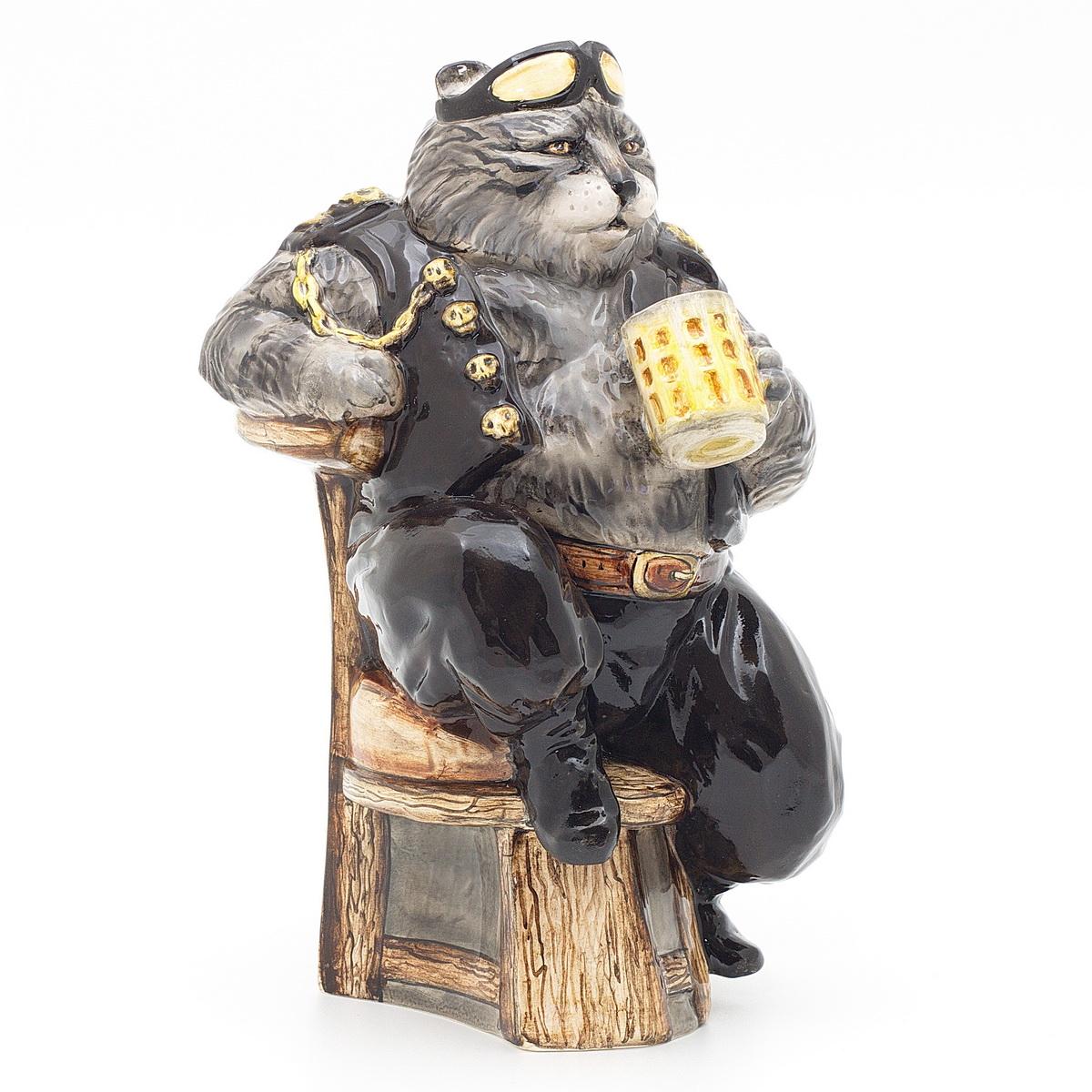 """Керамическая статуэтка """"Кот байкер"""". Авторская работа. ZORA. Россия. Керамика Zora, ручная работа, ручная роспись, несколько обжигов, смешанная техника глазури. Размер: 28 х 18 см. Сохранность хорошая. Отличный подарок для мужчины! Серьезный котяра - любитель гонок, красивых женщин и пива. Парням нравится! Поднимает настроение, вызывает улыбку, украшает интерьер. Избавляет от комплексов, льстит самолюбию!"""