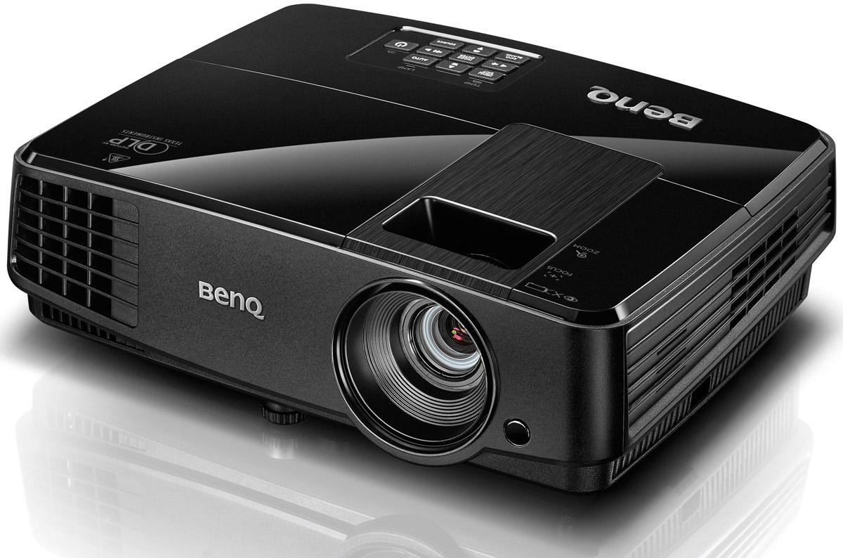 BenQ MS506 мультимедийный проектор4718755058752Мультимедийный проектор BenQ MS506 - это отличный выбор для небольших и средних помещений.Компания BenQ разработала совместно с Philips технологию Smart Eco - это уникальное решение, которое позволяет динамически управлять энергопотреблением проектора в зависимости от режима использования и типа проецируемого изображения. В проекторе MS506 с технологией SmartEco среднее энергопотребление снижается, а срок службы лампы увеличивается. Режим SmartEco позволяет проектору автоматически регулировать мощность ламп и интеллектуально устанавливать яркость лампы на уровень максимального энергосбережения, сохраняя наилучший контраст и яркость изображения.Затраты на замену лампы в проекторе достаточно высоки. Режим LampSave обеспечивает динамическую регулировку мощности лампы, тем самым продлевая ее срок службы на 50%! Также до 50% сокращается частота замены ламп. Как результат, снижается стоимость владения и обслуживания!Режим Eco Blank позволяет преподавателю отключать проецируемое на экране изображение, когда внимание студентов необходимо сконцентрировать на самом преподавателе, или просто в тот момент, когда проектор не используется. При отсутствии входного сигнала от источника в течение трех минут происходит автоматическое переключение в режим Eco Blank. При использовании режима Eco Blank происходит автоматическое снижение мощности лампы, таким образом, энергопотребление уменьшается на 70%.BenQ использует передовую технологию DLP. Принцип ее работы заключается в том что, свет от лампы проходит через цветовое колесо, приобретая определенный цвет, который отражается от миллионов микрозеркал, расположенных на DMD-чипе и затем попадает на экран. Оптическая система проектора имеет герметичный дизайн, зеркала защищены от попадания на них пыли. Поэтому DLP-проекторы не имеют проблем с деградацией цветов - цвета будут стабильны весь период работы.Как выбрать проектор. Статья OZON Гид
