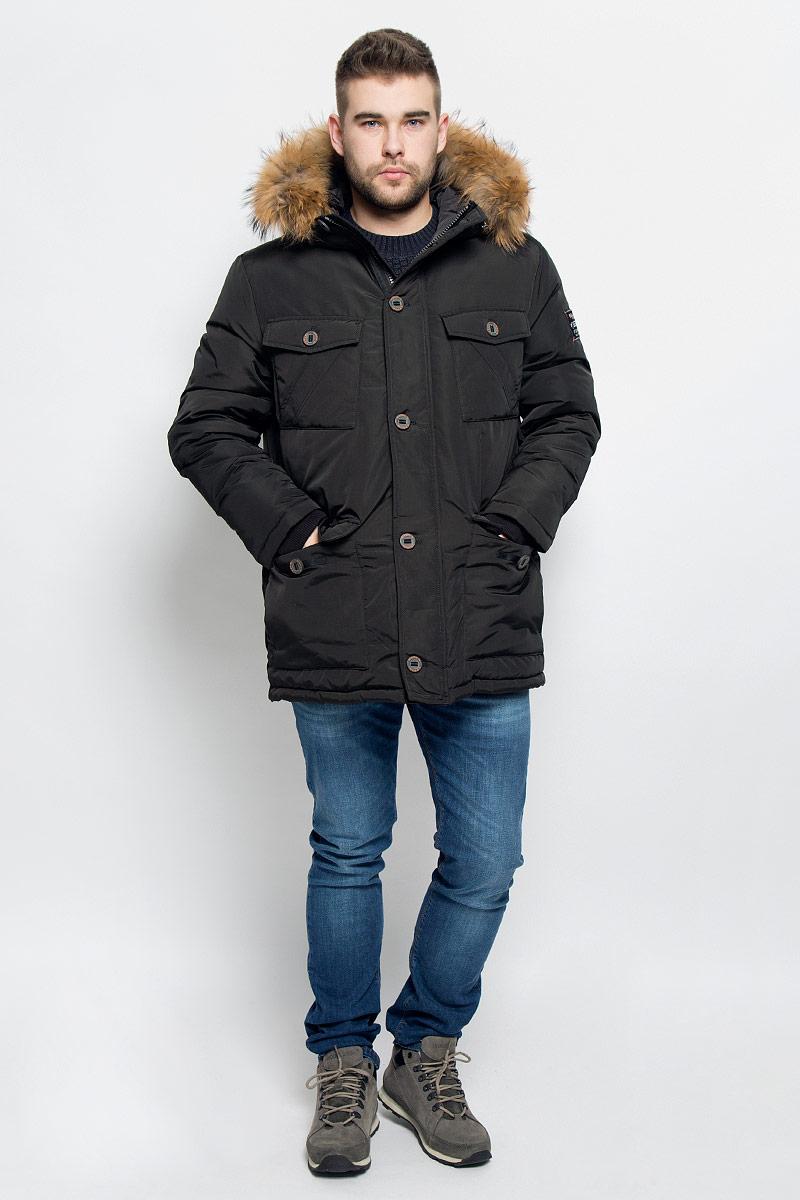 Пуховик мужской Baon, цвет: черно-зеленый. B506515. Размер XL (52)B506515_MINKМужской пуховик Baon изготовлен из высококачественного полиэстера. В качестве утеплителя используется натуральный пух.Куртка с несъемным капюшоном застегивается на застежку-молнию с двумя бегунками и дополнительно имеет ветрозащитную планку на пуговицах. Капюшон оснащен эластичными шнурками со стопперами и оформлен натуральным мехом, который пристегивается к нему за счет кнопок. Низ рукавов дополнен внутренними эластичными манжетами. Объем по линии талии регулируется с помощью эластичного шнурка со стоппером. Спереди имеются шесть накладных карманов, четыре из которых с клапанами на пуговицах, с внутренней стороны - один прорезной карман на застежке-молнии и накладной карман на пуговице. Модель оформлена фирменными нашивками.