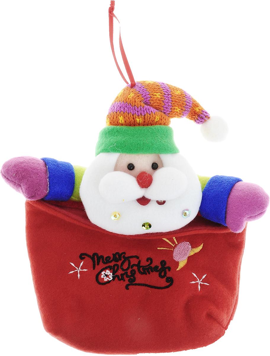 Мешок для подарков Winter Wings Дед Мороз, 22 х 19 смN02317Новогодний мешок Winter Wings Дед Мороз выполнен из полиэстера. Этот праздничный аксессуар предназначен специально для новогодних и рождественских подарков. С помощью петельки его можно подвесить в любое понравившееся место.Традиция класть подарки в новогодние чулки (в Европе эти же чулки называются рождественскими) появилась в нашей стране относительно недавно, но уже пользуется популярностью. Чулки, как и другие новогодние украшения, создают в доме атмосферу тепла и уюта, сближая всю семью. Особенно эта традиция приводит в восторг детей. Да и взрослому будет не менее интересно получить подарок в такой оригинальной упаковке.Размер изделия: 22 х 19 см.