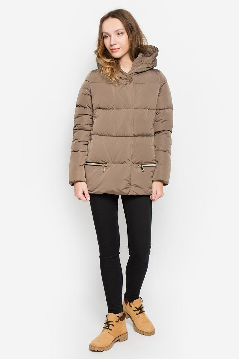 Куртка женская Grishko, цвет: коричневый. AL-2965. Размер M (46)AL-2965Женская куртка Grishko с длинными рукавами и несъемным капюшоном выполнена из полиамида. Наполнитель - синтепон. Куртка застегивается на застежку-молнию спереди и имеет ветрозащитный клапан на кнопках. Изделие оснащено двумя втачными карманами на кнопках спереди. Модель оформлена декоративными застежками-молниями по бокам. Объем низа регулируется при помощи шнурка-кулиски со стопперами.