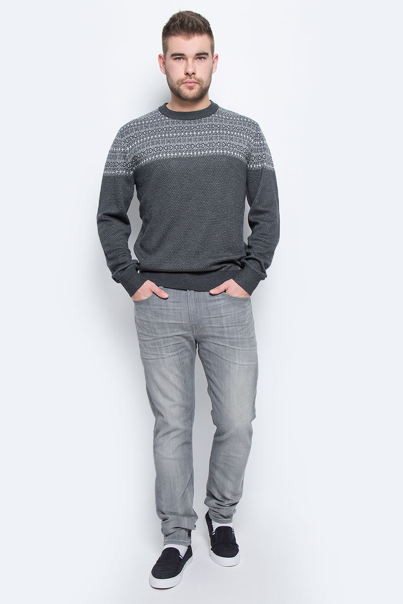 Джинсы мужские Lee, цвет: серый джинс. L732YBFR. Размер 32-32 (48-32)L732YBFRСтильные мужские джинсы Lee высочайшего качества, которые прекрасно сидят. Модель прямого кроя и средней посадки изготовлена из натурального хлопка, не сковывает движения и дарит комфорт. На поясе джинсы застегиваются на металлическую пуговицу и имеют ширинку на пуговицах. Спереди модель дополнена двумя втачными карманами и одним накладным секретным кармашком, а сзади - двумя накладными карманами. Изделие оформлено перманентными складками.В таких джинсах вы всегда будете чувствовать себя уверенно и комфортно.