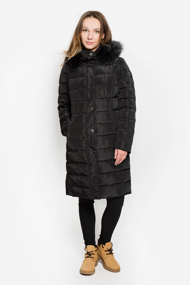 Пальто женское Finn Flare, цвет: черный. W16-11012_200. Размер L (48)W16-11012_200Стильное женское пальто Finn Flare изготовлено из высококачественного полиэстера. В качестве утеплителя используется пух с добавлением пера. Пальто с воротником-стойкой и съемным капюшоном, оформленным съемным крашеным мехом енота, застегивается на пластиковую молнию и дополнительно на ветрозащитный клапан с кнопками. Капюшон пристегивается к пальто с помощью кнопок. Спереди расположены два втачных кармана.