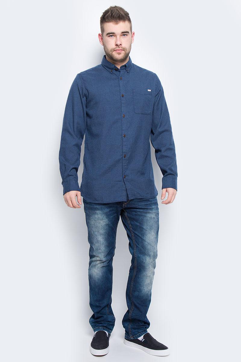 Рубашка мужская Jack & Jones, цвет: темно-синий. 12113437. Размер XXL (52)12113437_Total EclipseМужская рубашка Jack & Jones выполнена из полиэстера с добавлением вискозы. Рубашкас длинными рукавами и отложным воротником застегивается на пуговицы спереди. Манжеты рукавов также застегиваются на пуговицы. На груди расположен накладной карман.
