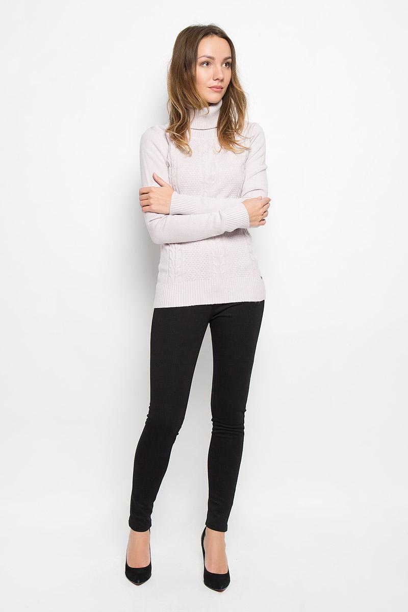 Свитер женский Finn Flare, цвет: серо-розовый. W16-32112_803. Размер S (44)W16-32112_803Модный женский свитер выполнен из комбинированной мягкой пряжи. Модель с воротником-гольф и длинными рукавами великолепно подойдет для холодной погоды. Воротник, низ изделия и манжеты рукавов связаны резинкой. Низ изделия дополнен металлической пластиной с логотипом бренда.