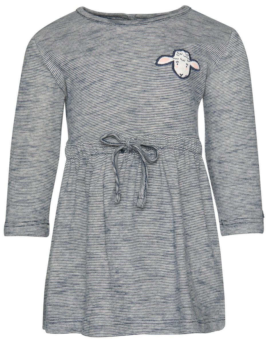 Платье Tom Tailor, цвет: синий, серый. 5019430.00.21_6740. Размер 805019430.00.21_6740Очаровательное платье Tom Tailor идеально подойдет вашей дочурке. Изделие выполнено из высококачественного материала. Модель с длинными рукавами и круглым воротником застегивается на кнопки, расположенные на спинке. Спереди оформлено нашивкой. На талии модель дополнена резинкой с кулиской.