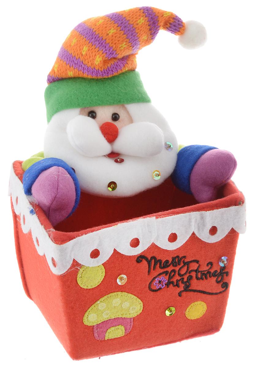 Подставка для подарка Winter Wings Дед Мороз, 13 х 13 х 18 смN02309Подставка для подарка Winter Wings Дед Мороз - замечательный подарок к Новому Году! Изделие выполнено из полимерного материала и полиэстера. Такая подставка станет приятным дополнением к новогоднему подарку.Новогодний сувенир - это миниатюрный подарок, призванный подчеркнуть ваши добрые намерения, закрепить в памяти получателя сувенира ваши добрые новогодние пожелания. Сувениры дарят друг другу все: друзья, родственники, влюбленные, сослуживцы, добрые знакомые и соседи, родители и дети. Новогодний сувенир, стоящий в доме на видном месте, символизирует, что люди готовы к встрече праздника и исполнены духа Нового Года и Рождества.Размеры подставки: 13 х 13 х 18 см.