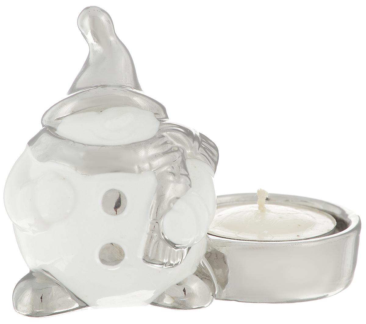Подсвечник Winter Wings Снеговик, со свечой, 9,5 х 5 х 8 смN162054Декоративный подсвечник Winter Wings Снеговик выполнен из окрашенной керамики. К изделию прилагается чайная свеча.Такой подсвечник украсит интерьер вашего дома или офиса в преддверии Нового года. Оригинальный дизайн и красочное исполнение создадут праздничное настроение. Кроме того, это отличный вариант подарка для ваших близких и друзей.Размер подсвечника: 9,5 х 5 х 8 см. Размер свечи: 3,5 х 3,5 х 1 см.