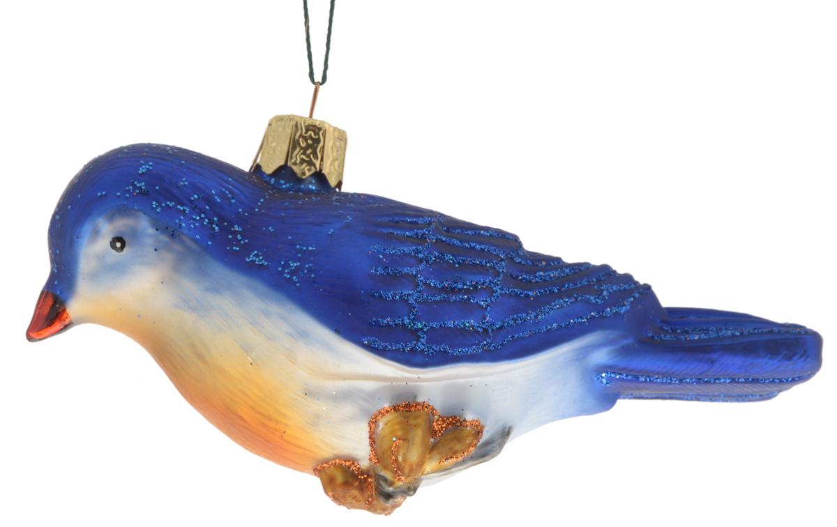 Украшение новогоднее подвесное Winter Wings Птица, 10,5 х 4 х 5,5 смN07128Новогоднее подвесное украшение Winter Wings Птица прекрасно подойдет для праздничного декора новогодней ели. Изделие выполнено из высококачественного стекла в виде птицы. Для удобного размещения на елке на украшении предусмотрено ушко и веревочка.Елочная игрушка - символ Нового года. Она несет в себе волшебство и красоту праздника. Создайте в своем доме атмосферу веселья и радости, украшая новогоднюю елку нарядными игрушками, которые будут из года в год накапливать теплоту воспоминаний. Откройте для себя удивительный мир сказок и грез. Почувствуйте волшебные минуты ожидания праздника, создайте новогоднее настроение вашим дорогим и близким.