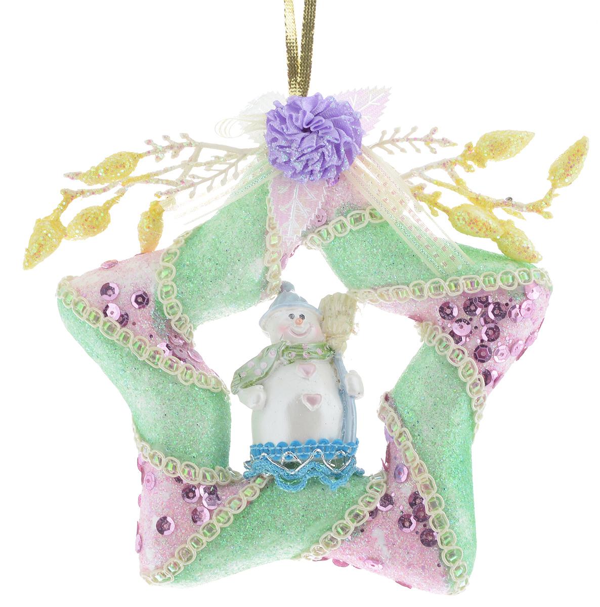 Украшение новогоднее подвесное Winter Wings Звезда, 13 х 14 х 2,7 смN180452Новогоднее подвесное украшение Winter Wings Звезда прекрасно подойдет для праздничного декора новогодней ели. Изделие выполнено из высококачественного полирезина. Для удобного размещения на елке на украшении предусмотрена текстильная петелька. Елочная игрушка - символ Нового года. Она несет в себе волшебство и красоту праздника. Создайте в своем доме атмосферу веселья и радости, украшая новогоднюю елку нарядными игрушками, которые будут из года в год накапливать теплоту воспоминаний.Откройте для себя удивительный мир сказок и грез. Почувствуйте волшебные минуты ожидания праздника, создайте новогоднее настроение вашим дорогим и близким.