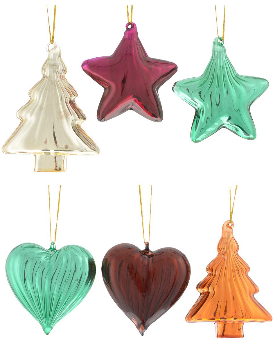 """Набор """"Winter Wings"""" состоит из 6 подвесных украшений,  выполненных из стекла в виде сердец, елок и звезд.  Оригинальные новогодние украшения прекрасно  подойдут для праздничного декора дома и новогодней  ели. С помощью специальной петельки их можно  повесить в любом понравившемся вам месте. Но,  конечно, удачнее всего такие игрушки будут смотреться  на праздничной елке.    Елочная игрушка - символ Нового года и Рождества. Она  несет в себе волшебство и красоту праздника. Создайте  в своем доме атмосферу веселья и радости, украшая  новогоднюю елку нарядными игрушками, которые будут  из года в год накапливать теплоту воспоминаний.   Размер украшения в виде сердца: 7,5 х 2,5 х 8 см. Размер украшения в виде елки: 7,5 х 3 х 10 см.  Размер украшения в виде звезды: 7,5 х 2,5 х 8 см."""