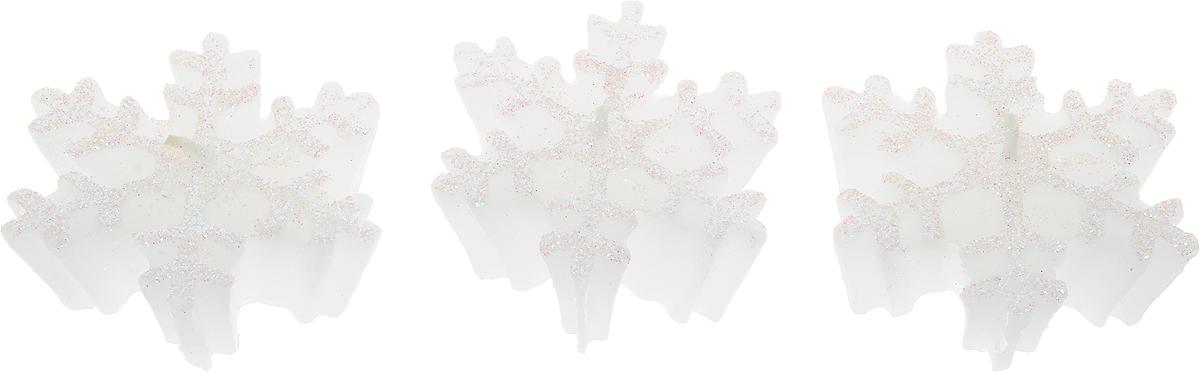 Набор свечей Winter Wings Снежинки, высота 2,8 см, 3 штN161782Набор Winter Wings Снежинки состоит из 3 свечей, которые украшены блестками. Такой набор прекрасно дополнит интерьер вашего дома в преддверии Нового года, а также станет замечательным украшением праздничного стола. Создайте в своем доме атмосферу тепла, веселья и радости, украшая его всей семьей.