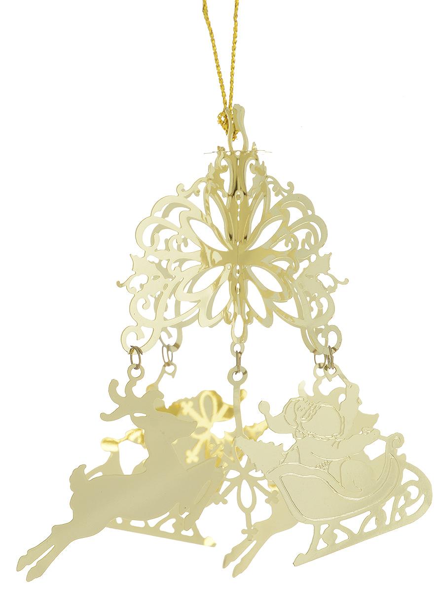 Украшение новогоднее подвесное Феникс-Презент Дед Мороз и олени, 9 х 9 х 8,5 см. 2508625086Новогоднее подвесное украшение Magic Time Дед Мороз и олени выполнено из металла в виде подвески с Дедом Морозом и оленем. С помощью специальной петельки украшение можно повесить в любом понравившемся вам месте. Но, конечно, удачнее всего оно будет смотреться на праздничной елке.Елочная игрушка - символ Нового года. Она несет в себе волшебство и красоту праздника. Создайте в своем доме атмосферу веселья и радости, украшая новогоднюю елку нарядными игрушками, которые будут из года в год накапливать теплоту воспоминаний.