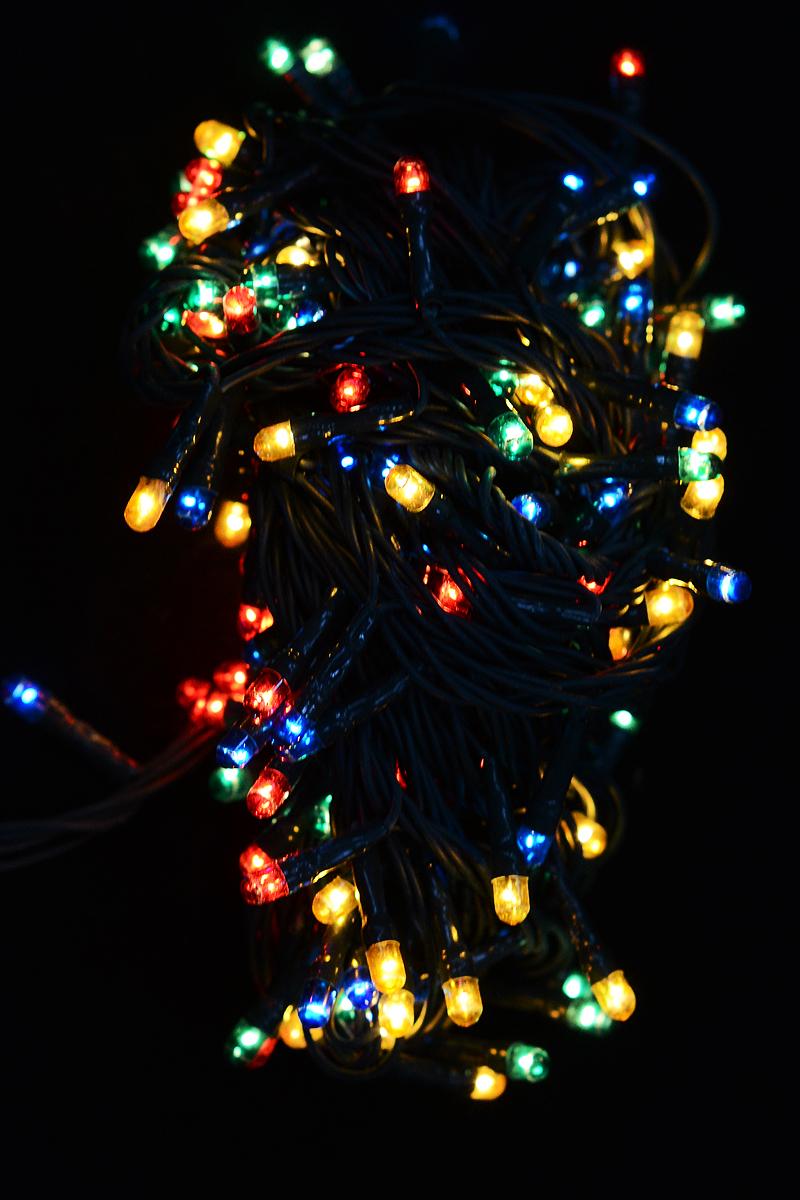 Гирлянда новогодняя электрическая Magic Time, 200 лампочек, 800 см. 4227342273/76251Новогодняя электрическая гирлянда Magic Time украсит интерьер вашего дома или офиса в преддверии Нового года. Лампы выполнены в разных цветах. Имеется контроллер переключения режимов мигания огней (8 режимов). Оригинальный дизайн и красочное исполнение создадут праздничное настроение. Откройте для себя удивительный мир сказок и грез. Почувствуйте волшебные минуты ожидания праздника, создайте новогоднее настроение вашим дорогим и близким.Материал: медь, поливинилхлорид, стекло, вольфрамовая нить. Количество ламп: 200 шт.Мощность: 24 Вт.Напряжение: 220 В.