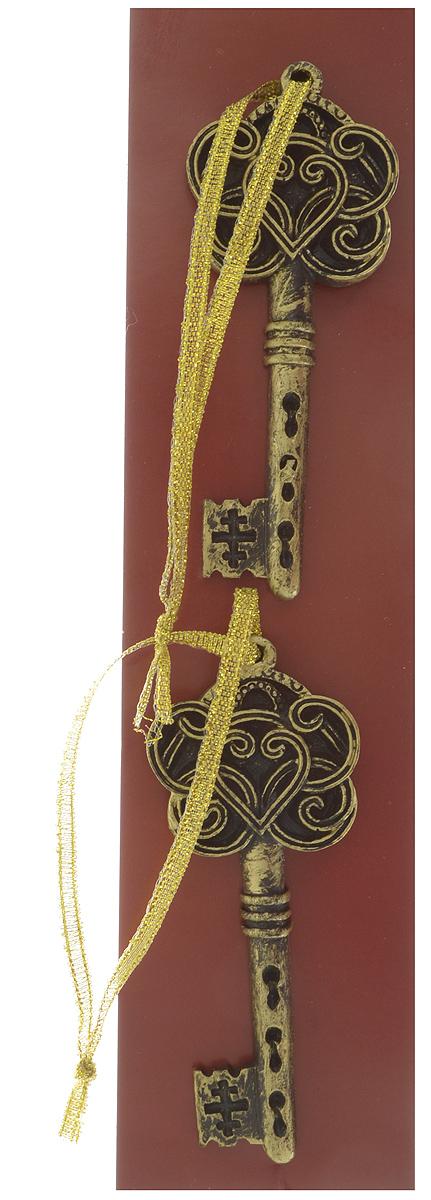 Украшение новогоднее подвесное Magic Time Золотые ключи, 8,5 х 3,5 х 0,8 см, 2 шт41806Подвесное украшение Magic Time Золотые ключи, выполненное из полирезины, прекрасно подойдет для праздничного декора. С помощью специальной петельки его можно повесить в любом понравившемся вам месте. Но, конечно, удачнее всего такая игрушка будет смотреться на праздничной елке. Елочная игрушка - символ Нового года и Рождества. Она несет в себе волшебство и красоту праздника. Создайте в своем доме атмосферу веселья и радости, украшая новогоднюю елку нарядными игрушками, которые будут из года в год накапливать теплоту воспоминаний.Размер украшения: 8,5 х 3,5 х 0,8 см.