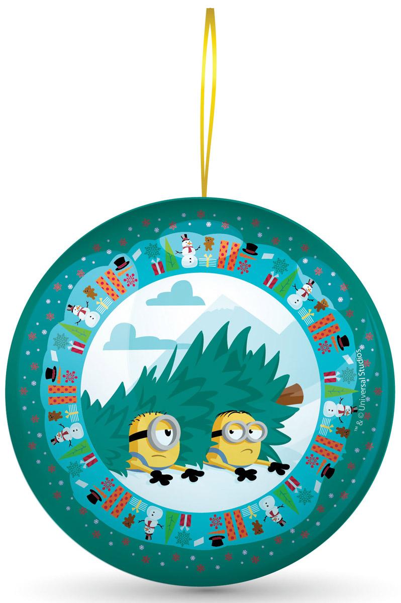Сладкая Сказка Миньоны зеленый подарочный шар с сюрпризом, 18 гMK-52-17/MI_зеленыйВ новогодние праздники принято украшать елку разноцветными шарами.Сладкая сказка предлагает яркие и красочные новогодние подарочные шары с сюрпризом Миньоны.Шары выпускаются в трех цветах — красном, зеленом и голубом. В основе сюжета каждого дизайна — новогодняя история, связанная с забавными миньонами.Внутри каждого новогоднего шара — 18 грамм натуральной леденцовой карамели со вкусом банана и один из восьми коллекционных 3D-магнитов с миньонами, запечатленными в различных эмоциональных ситуациях.Такой подарок поднимет настроение и окрасит день в праздничные тона.