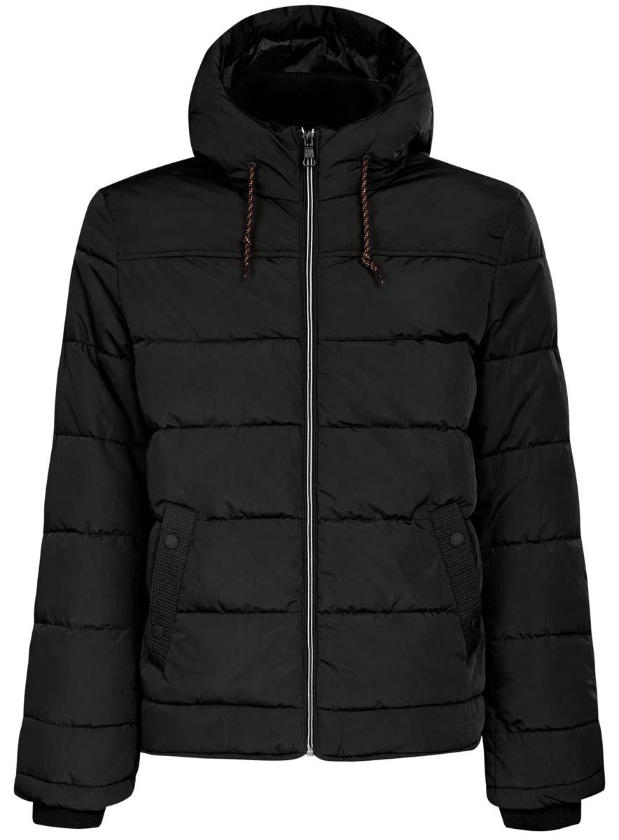 Куртка мужская oodji Basic, цвет: черный. 1B112006M/39877N/2900N. Размер L (52/54-182)1B112006M/39877N/2900NМужская куртка oodji Basic выполнена из 100% полиэстера. В качестве подкладки и утеплителя также используется полиэстер. Модель с несъемным капюшоном застегивается на застежку-молнию. Капюшон дополнен по краю шнурком-кулиской, а по низу - эластичной резинкой. Рукава имеют внутренние эластичные манжеты. Низ изделия дополнен эластичным шнурком-кулиской. Спереди расположено два прорезных кармана на кнопках, а с внутренней стороны - прорезной карман на застежке-молнии.