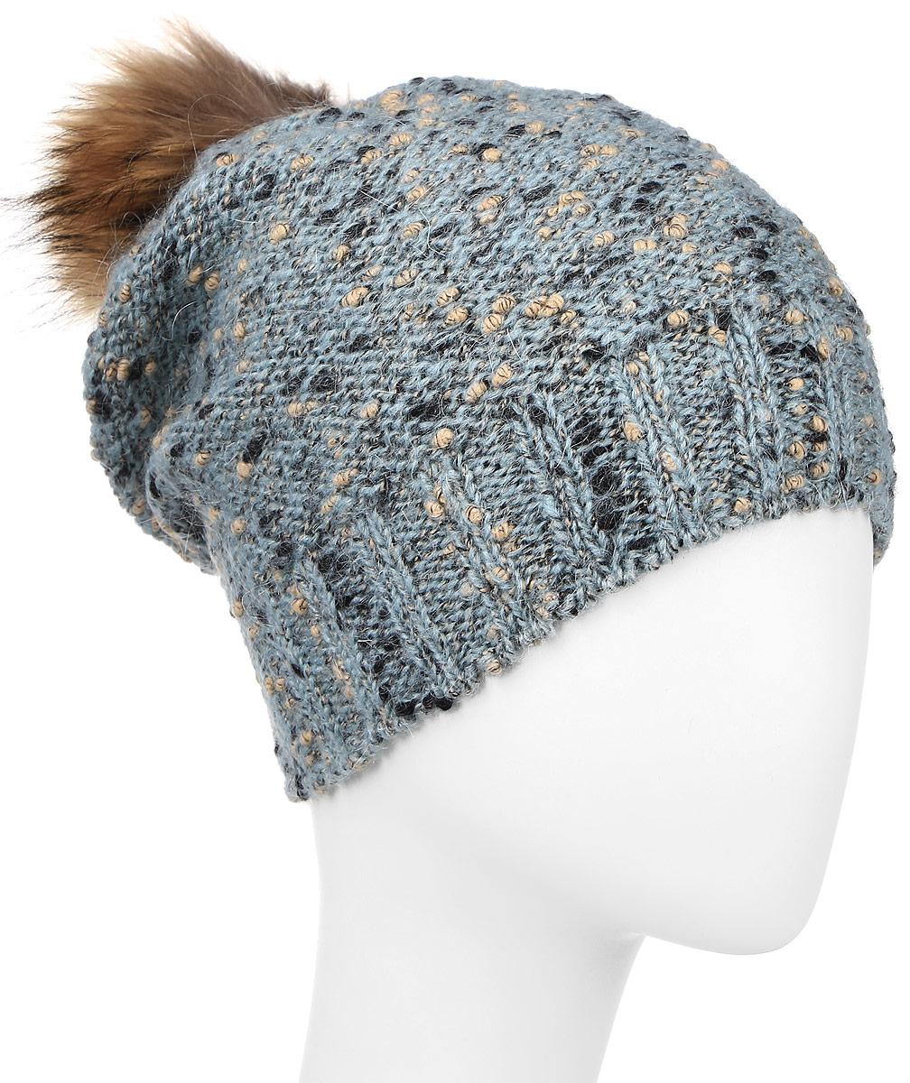 Шапка женская Baon, цвет: серо-голубой. B346522. Размер универсальныйB346522_WATERSCAPEВязаная женская шапка Baon отлично подойдет для модниц в холодное время года. Изготовленная из полиамида, шерсти и мохеры, она мягкая и приятная на ощупь, обладает хорошими дышащими свойствами и максимально удерживает тепло. Шапочка плотно облегает голову, что обеспечивает надежную защиту от ветра и мороза.Модель оформлена вязаным узором и помпоном. Дополнено изделие небольшой металлической пластиной с названием бренда.