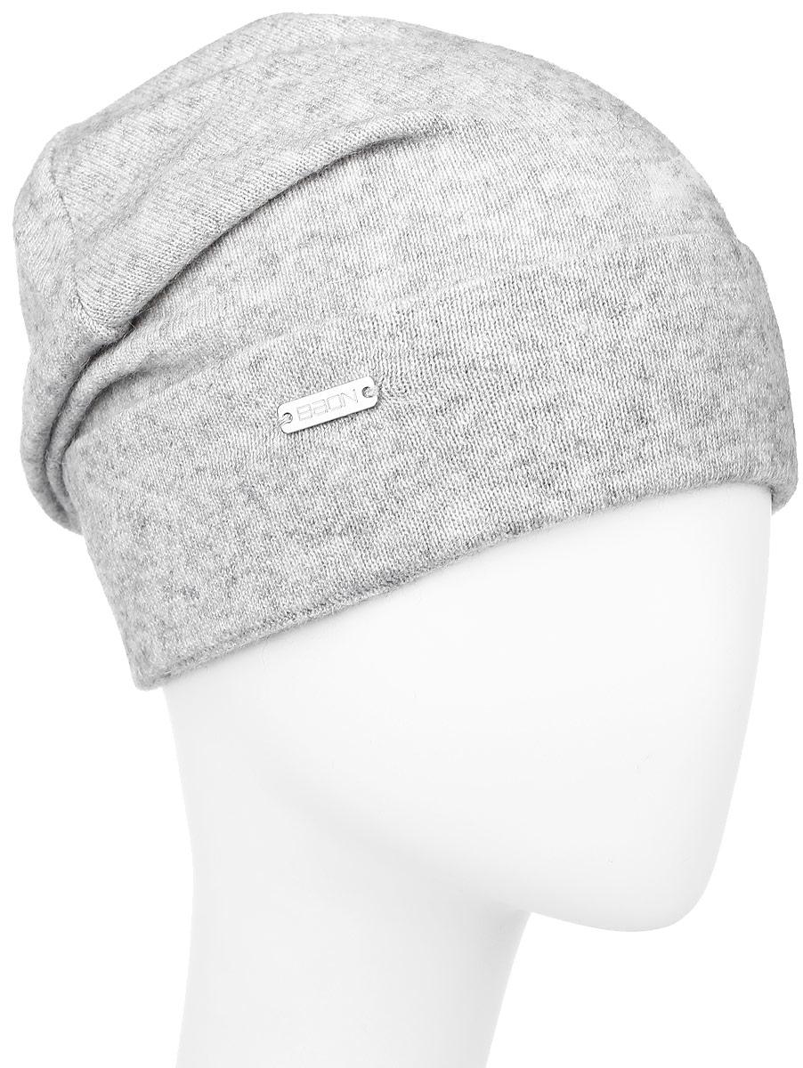 Шапка женская Baon, цвет: серый. B346548. Размер универсальныйB346548_SILVER MELANGEЖенская шапка Baon с отворотом изготовлена из высококачественной пряжи сложного состава. Модель выполнена в лаконичной однотонной расцветке. Дополнена шапка металлической пластиной с названием бренда.