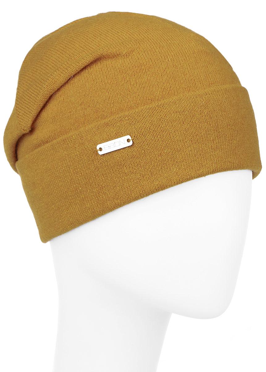 Шапка женская Baon, цвет: оранжевый. B346548. Размер универсальныйB346548_DARK OCHREЖенская шапка Baon с отворотом изготовлена из высококачественной пряжи сложного состава. Модель выполнена в лаконичной однотонной расцветке. Дополнена шапка металлической пластиной с названием бренда.