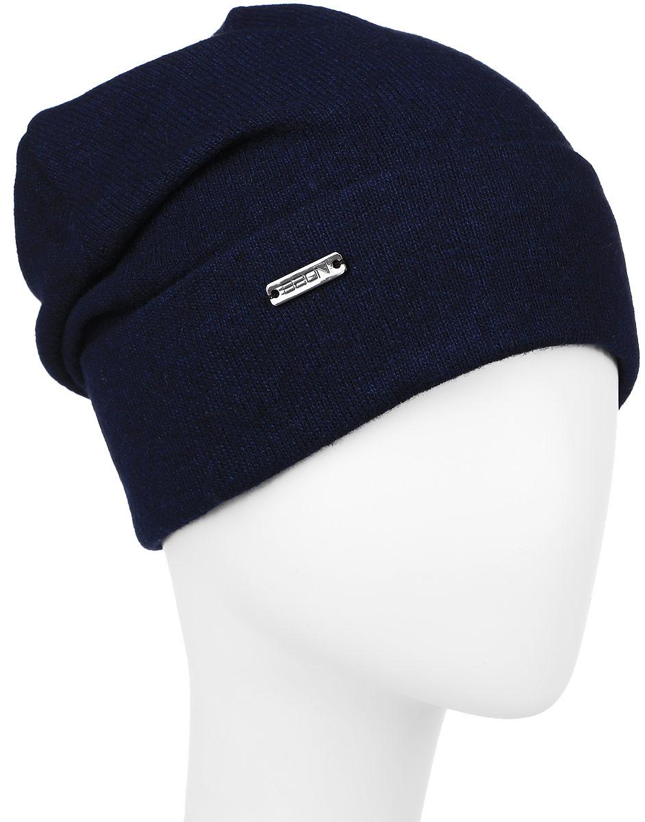 Шапка женская Baon, цвет: темно-синий. B346548. Размер универсальныйB346548_DARK NAVYЖенская шапка Baon с отворотом изготовлена из высококачественной пряжи сложного состава. Модель выполнена в лаконичной однотонной расцветке. Дополнена шапка металлической пластиной с названием бренда.