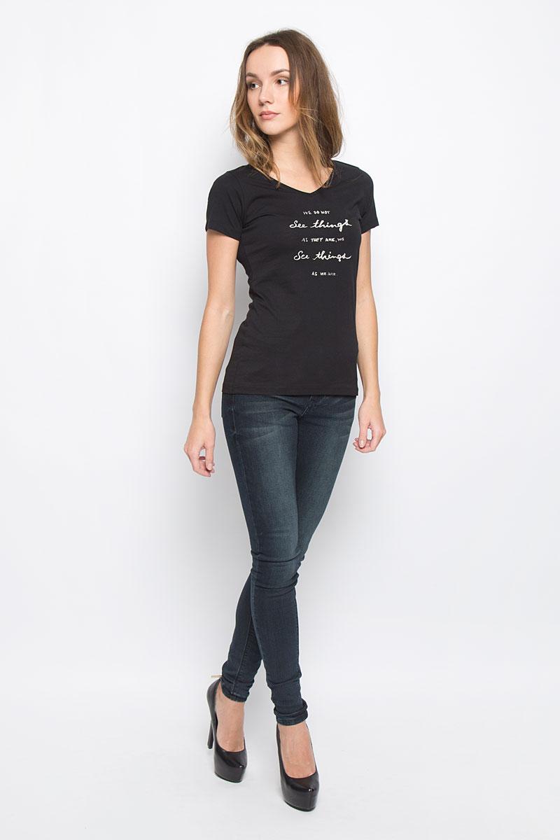 Футболка женская Broadway Betty, цвет: черный. 10156865_99E. Размер XS (42)10156865_99EСтильная женская футболка Broadway, выполненная из натурального хлопка, отлично дополнит ваш образ. Модель с V-образным вырезом горловины и короткими рукавами спереди оформлена надписью. Горловина дополнена трикотажной резинкой.
