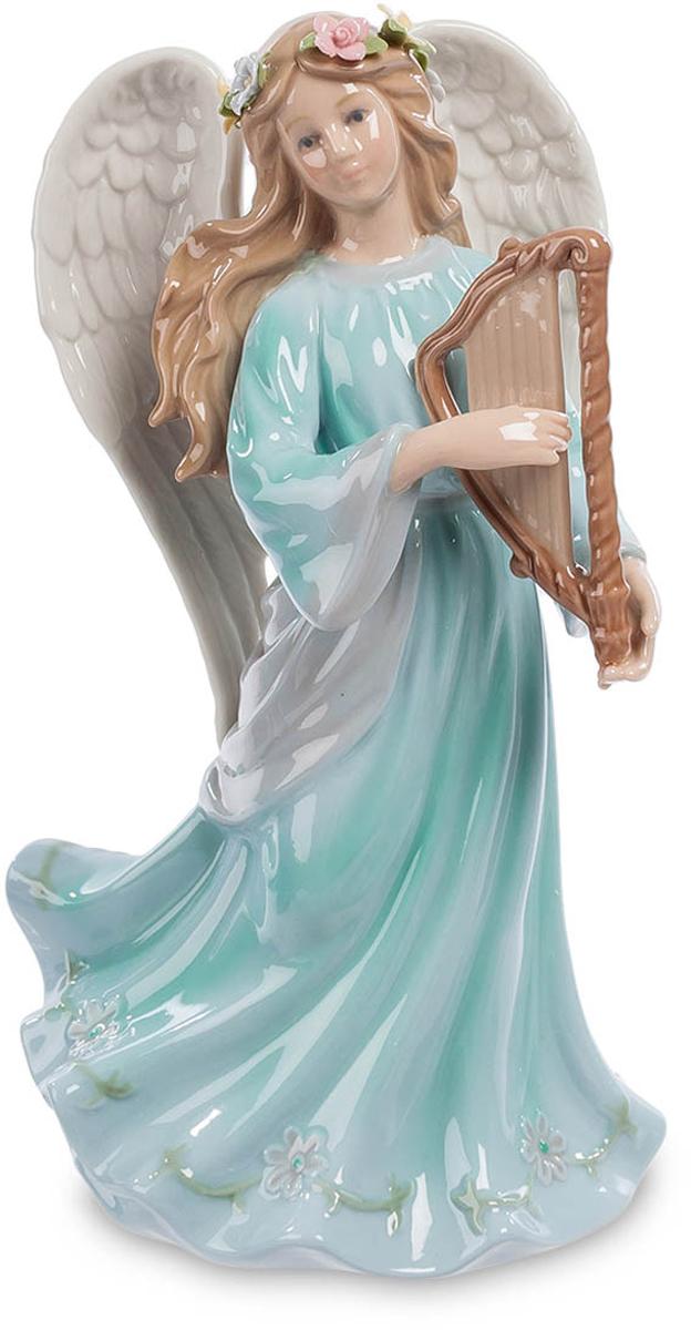 Статуэтка музыкальная Pavone Ангел с арфой. CMS-24/ 5CMS-24/ 5Фарфоровая музыкальная статуэтка Ангел с арфой прекрасно украсит любой интерьер.Эта девушка, играющая на маленькой арфе, - настоящий ангел. За спиной аккуратно сложены два больших белых крыла, украшенные цветами длинные волосы развеваются на ветру, как и подол длинного, до земли, платья. Задача ангела-хранителя – обеспечивать в семье покой, мир и любовь. Вот и помогает ангел себе приятной, успокаивающей мелодией, которую можно услышать даже просто посмотрев на эту фигурку. Взгляд ангела серьезен: дело обеспечения покоя – его основная работа, и к ней нельзя относиться небрежно. Вот и звучит ангельская музыка, проникая своими неслышными звуками в каждое сердце, успокаивая и умиротворяя.Размер: 12 см х 9,5 см х 20 см.