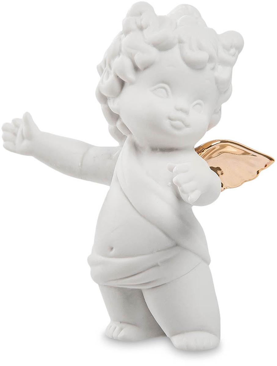Фигурка декоративная Pavone Амурчик, высота 9,5 смJP-48/ 5Декоративная фигурка Pavone Амурчик, выполненная в виде ангелочка, будет вас радовать и достойно украсит интерьер вашего дома или офиса. Фигурка изготовлена из глазурованного фарфора. Вы можете поставить украшение в любом месте, где оно будет удачно смотреться и радовать глаз. Кроме того, эта фигурка станет прекрасным подарком по поводу рождения ребенка: он станет для новорожденного ангелом-хранителем.