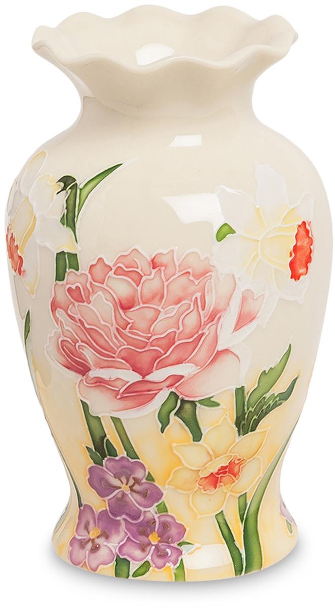 Ваза Pavone, высота 14,5 смJP-97/44Экстравагантная ваза Pavone изготовлена из высококачественного фарфора и украшена изящным цветочным рисунком. Такое оформление делает ее изящным украшением интерьера.Ваза Pavone дополнит интерьер офиса или дома и станет желанным и стильным подарком.Размер вазы: 9 х 9 х 14,5 см.
