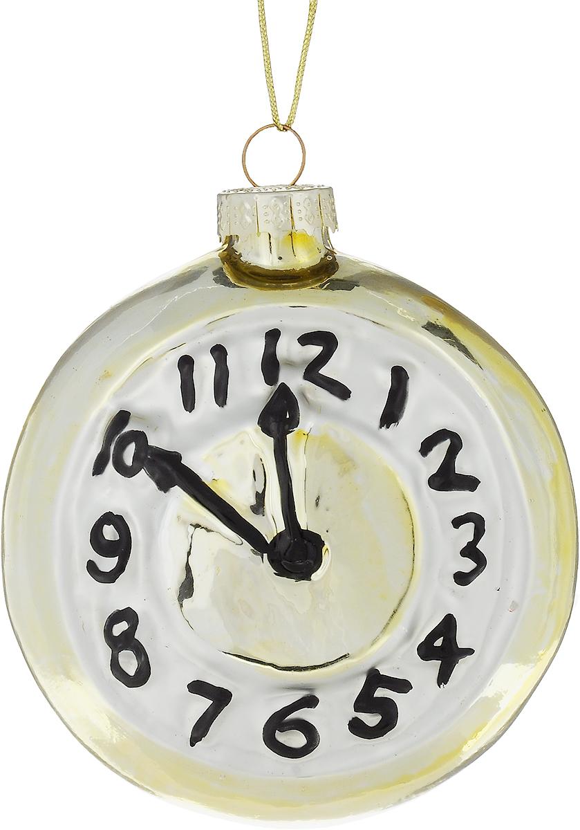 Украшение новогоднее подвесное Winter Wings Часы, 8 х 8 х 4 смN079057Новогоднее подвесное украшение Winter Wings Часы выполнено из стекла в виде часов. С помощью специальной петельки украшение можно повесить в любом понравившемся вам месте. Но, конечно, удачнее всего оно будет смотреться на праздничной елке.Елочная игрушка - символ Нового года. Она несет в себе волшебство и красоту праздника. Создайте в своем доме атмосферу веселья и радости, украшая новогоднюю елку нарядными игрушками, которые будут из года в год накапливать теплоту воспоминаний.