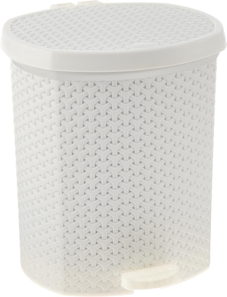 Контейнер для мусора Magnolia Home, с педалью, цвет: кремовый, 21 л3702Мусорный контейнер Magnolia Home очень удобен в использовании как дома, так и в офисе. Изделие, выполненное из прочного пластика, не боится ударов. Контейнер оснащен педалью, с помощью которой можно открытькрышку. Закрывается крышка практически бесшумно, плотно прилегает, предотвращаяраспространение запаха. Внутри пластиковая емкость для мусора, которую при необходимости можно достать из контейнера. Интересный дизайн разнообразит интерьер кухни и сделает его более оригинальным.Высота контейнера: 39 см.