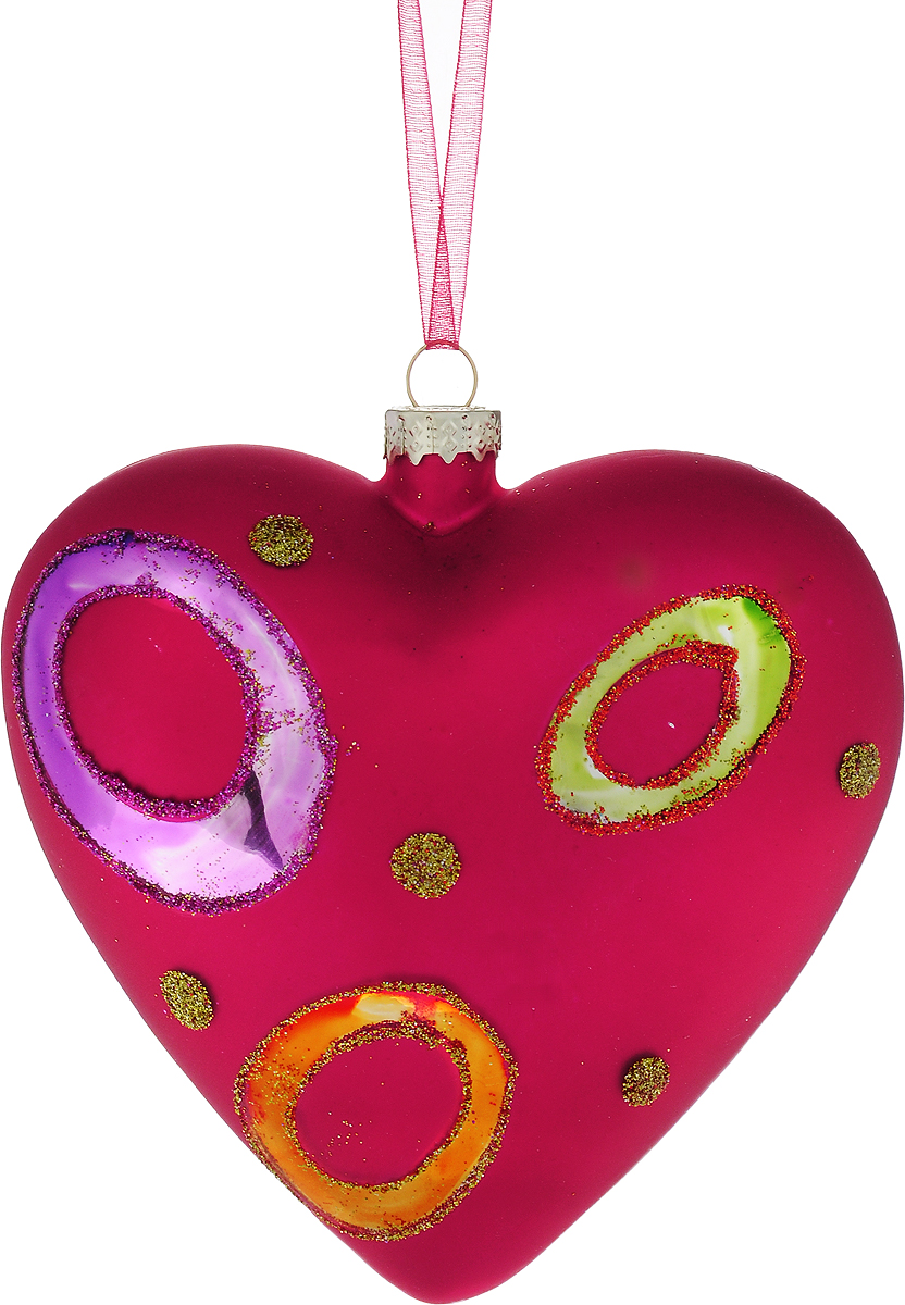 """Новогоднее подвесное украшение Winter Wings """"Сердце красное""""  выполнено из стекла в виде сердца и украшено блестками. С помощью  специальной петельки украшение можно повесить в любом понравившемся вам  месте. Но, конечно, удачнее всего оно будет смотреться на праздничной елке.  Елочная игрушка - символ Нового года. Она несет в себе волшебство и красоту  праздника. Создайте в своем доме атмосферу веселья и радости, украшая  новогоднюю елку нарядными игрушками, которые будут из года в год накапливать  теплоту воспоминаний."""