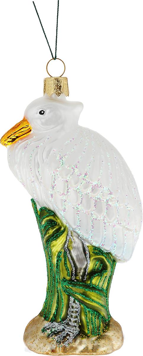 Украшение новогоднее подвесное Winter Wings Цапля, высота 13 смN07215Новогоднее подвесное украшение Winter Wings Цапля выполнено из стекла в виде фигуры цапли и украшено блестками. С помощью специальной петельки украшение можно повесить в любом понравившемся вам месте. Но, конечно, удачнее всего оно будет смотреться на праздничной елке.Елочная игрушка - символ Нового года. Она несет в себе волшебство и красоту праздника. Создайте в своем доме атмосферу веселья и радости, украшая новогоднюю елку нарядными игрушками, которые будут из года в год накапливать теплоту воспоминаний.