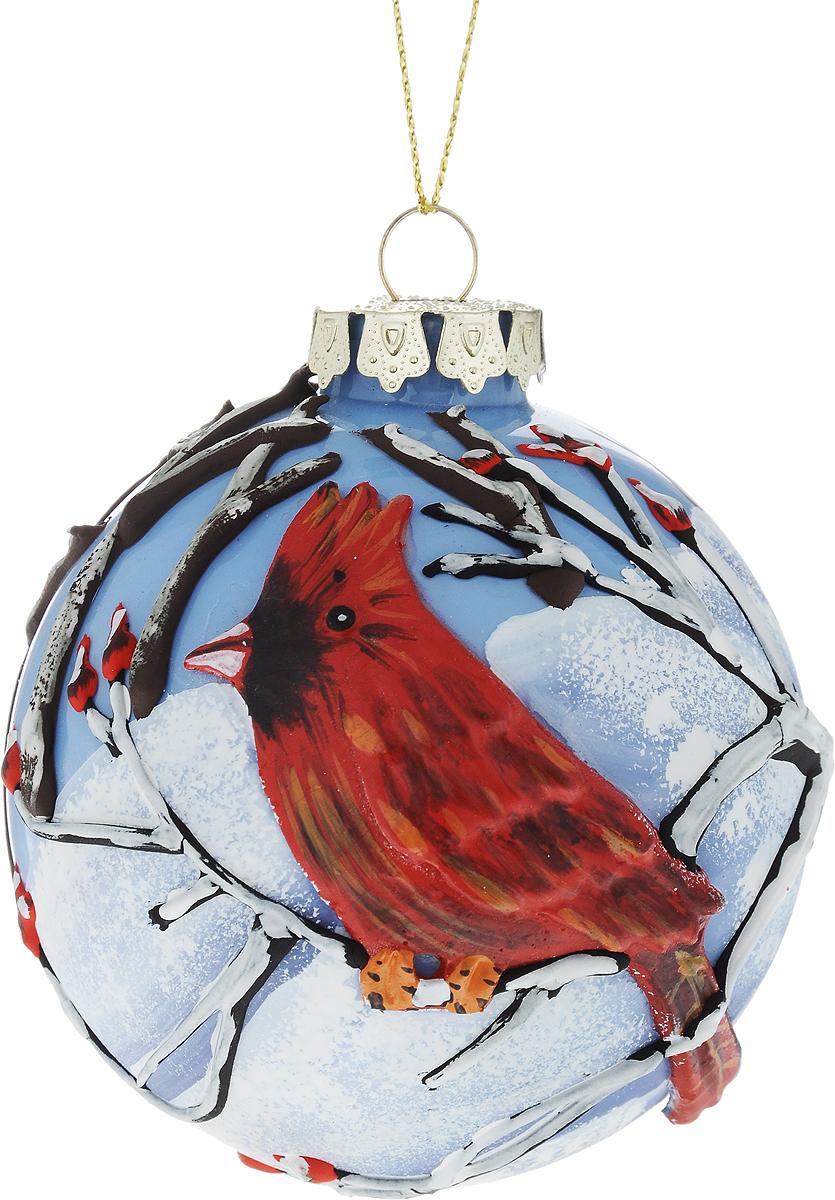 Украшение новогоднее подвесное Winter Wings Шар, диаметр 8 см. N07923N07923Новогоднее подвесное украшение Winter Wings Шар выполнено из стекла в виде шара с выпуклым изображением птицы. С помощью специальной петельки украшение можно повесить в любом понравившемся вам месте. Но, конечно, удачнее всего оно будет смотреться на праздничной елке.Елочная игрушка - символ Нового года. Она несет в себе волшебство и красоту праздника. Создайте в своем доме атмосферу веселья и радости, украшая новогоднюю елку нарядными игрушками, которые будут из года в год накапливать теплоту воспоминаний.
