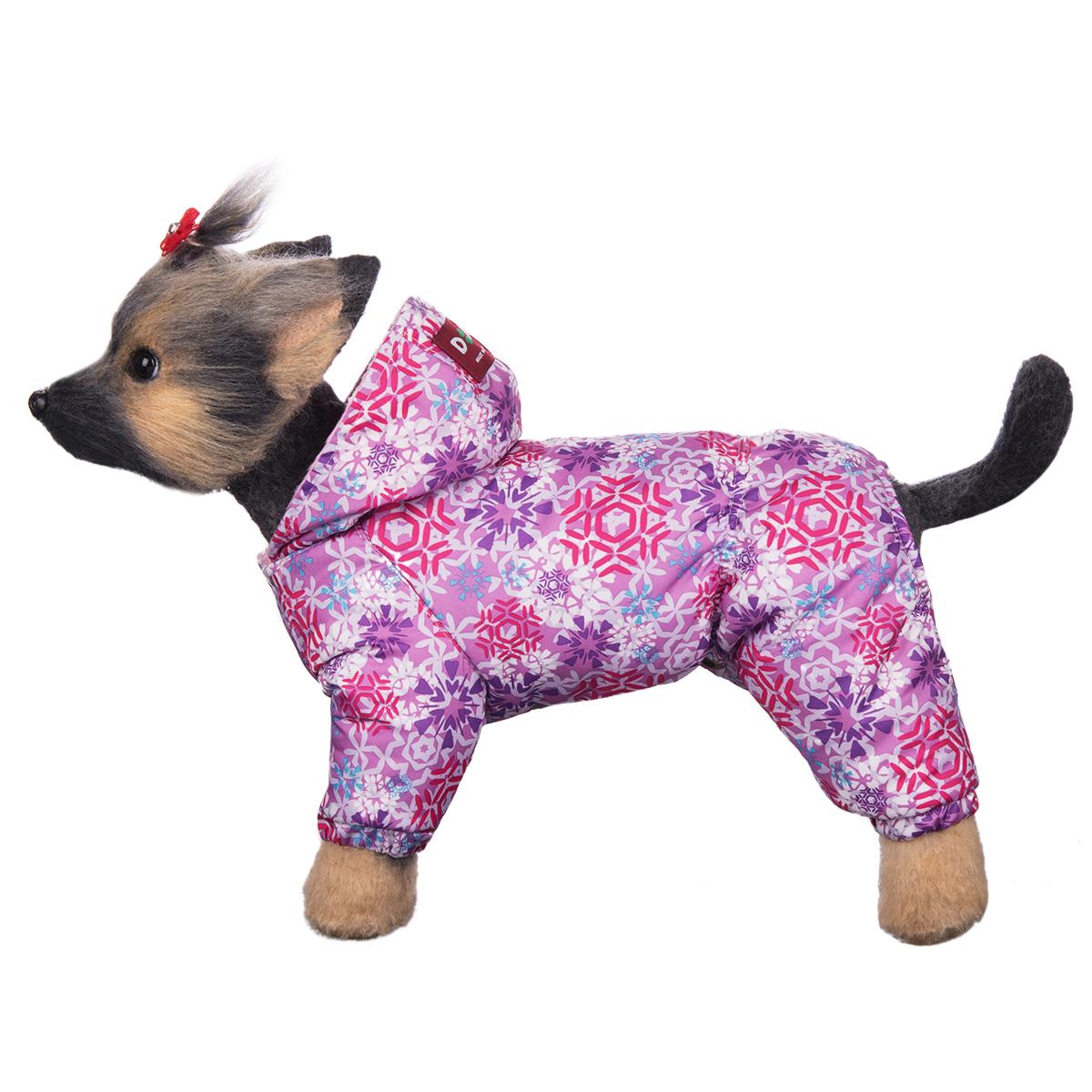 Комбинезон для собак Dogmoda Зима, зимний, для девочки, цвет: розовый, белый. Размер 4 (XL)DM-160259-4Зимний комбинезон для собак Dogmoda Зима отлично подойдет для прогулок в зимнее время года. Комбинезон изготовлен из полиэстера, защищающего от ветра и снега, с утеплителем из синтепона, который сохранит тепло даже в сильные морозы, а на подкладке используется искусственный мех, который обеспечивает отличный воздухообмен. Комбинезон с капюшоном застегивается на кнопки, благодаря чему его легко надевать и снимать. Капюшон не отстегивается. Низ рукавов и брючин оснащен внутренними резинками, которые мягко обхватывают лапки, не позволяя просачиваться холодному воздуху. Благодаря такому комбинезону простуда не грозит вашему питомцу.