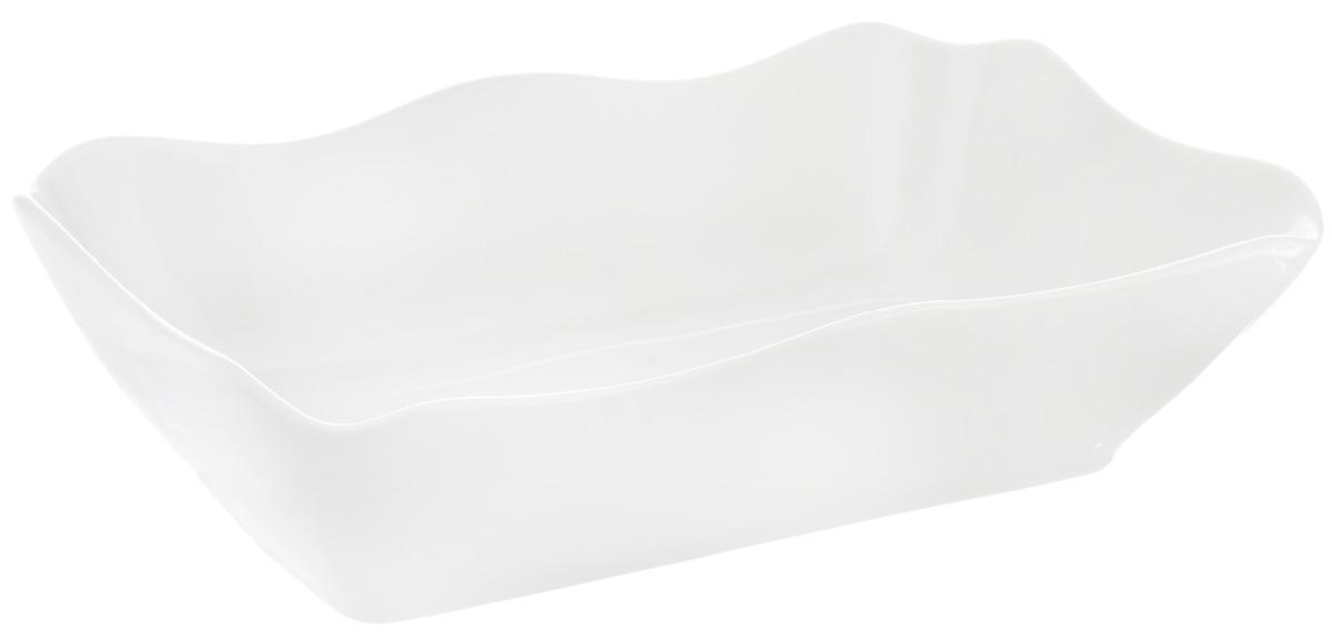 Блюдо для заливного Фарфор Вербилок, 27 х 16,5 х 7 см2503000БСервировочное блюдо Фарфор Вербилок, изготовленное из высококачественного фарфора, прекрасно подойдет для заливного, холодца и слоеных салатов. Оно украсит сервировку вашего стола и подчеркнет прекрасный вкус хозяйки. Размер блюда (по верхнему краю): 27 х 16,5 см.Высота стенки блюда: 7 см.