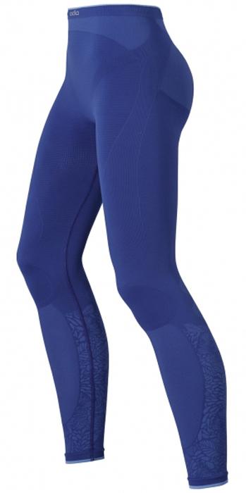 Термобелье леггинсы женские ODLO Evolution Warm Trend, цвет: фиолетово-синий. 180681. Размер M (44/46)180681Женские эластичные леггинсы выполнены по технологии трехмерной вязки, позволяющей свести количество швов к минимуму и избежать трений и дискомфорта во время носки. Зональные вставки обеспечивают идеальный уровень влагоотведения и повышенный уровень теплоизоляции. Благодаря специальной антибактериальной обработке ионами серебра, предотвращается образование запаха пота. Для дополнительного комфорта внизу брючины плоская кромка, которая не передавливает ногу.
