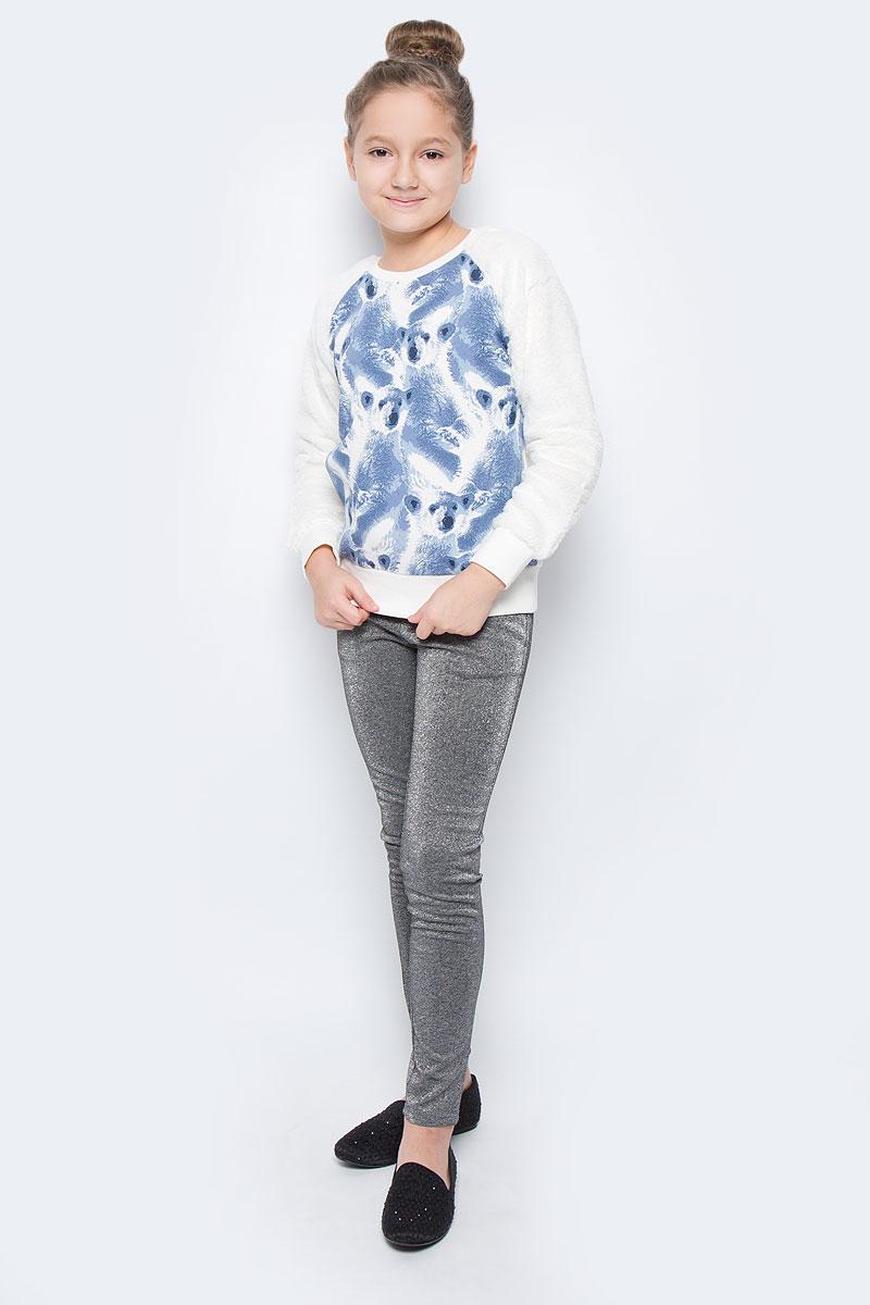 Свитшот для девочки Sela, цвет: молочный, голубой. St-613/440-6415. Размер 134, 9 летSt-613/440-6415Стильный свитшот для девочки выполнен из хлопка и полиэстера. Модель с круглым вырезом горловины и длинными рукавами-реглан оформлен оригинальным принтом. Манжеты рукавов, низ изделия и горловина дополнены трикотажными резинками. Рукава выполнены из мягкого плюшевого материала.