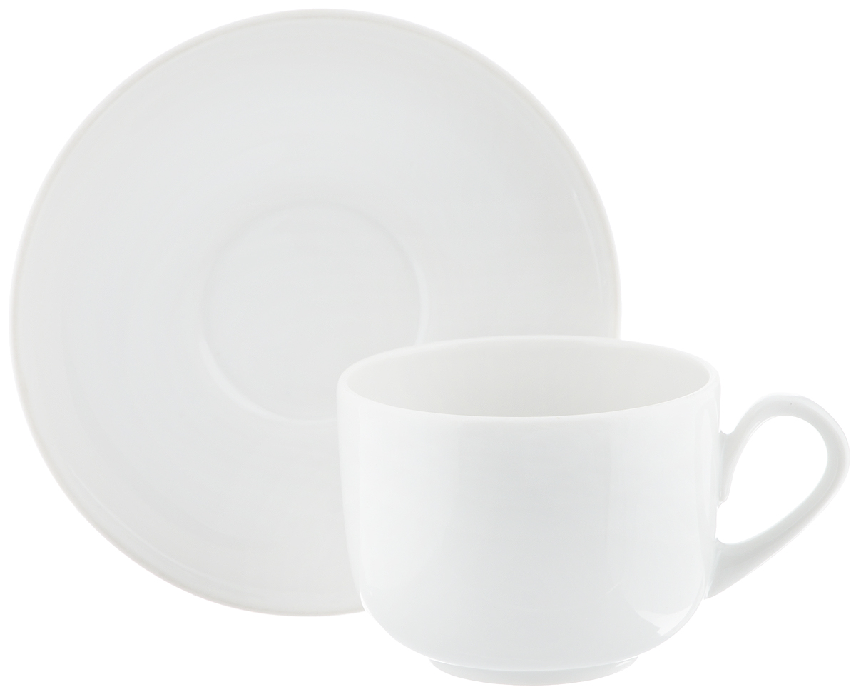 Чайная пара Фарфор Вербилок Август, 2 предмета3674000бЧайная пара Фарфор Вербилок Август состоит из чашки и блюдца, изготовленных из высококачественного фарфора. Изделия оформлены в классическом стиле и имеют изысканный внешний вид.Такой набор прекрасно дополнит сервировку стола к чаепитию и подчеркнет ваш безупречный вкус.Чайная пара Фарфор Вербилок Август - это прекрасный подарок к любому случаю. Объем чашки: 120 мл.Диаметр чашки (по верхнему краю): 6,5 см.Высота чашки: 5,2 см.Диаметр блюдца: 11,5 см.Высота блюдца: 2 см.