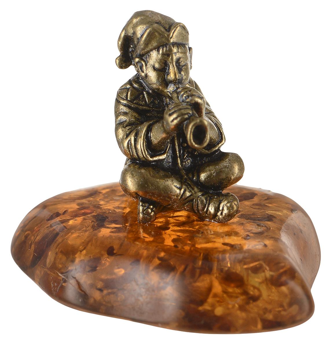Фигурка декоративная Гифтман Скоморох, материал: латунь, искусственный янтарь. Ручная работа. 52236