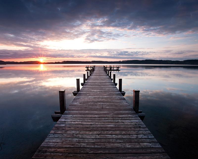 Канвас Postermarket Деревянный пирс на озере, 40 х 50 см. CT3-13CT3-13Канвас - это специальная современная технология печати на холсте. Из любимых фотографий или понравившихся вам изображений, которых в Интернете неограниченное количество, вы можете сделать собственную фотокартину. Холст изготовлен из полиэстера, рамка - из дерева.Размер канваса: 40 x 50 см.
