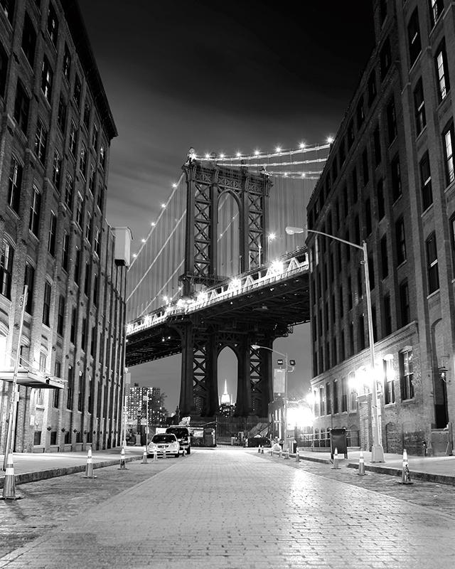 Декобокс Postermarket Бруклинский мост в Нью-Йорке, 40 х 50 смDC-4010Декобокс Postermarket Бруклинский мост в Нью-Йорке выполнен из бумаги, рама из МДФ. Современные технологии, уникальное оборудование и цифровая печать, используемые в производстве, делают постер устойчивым к выцветанию и обеспечивают исключительное качество произведений. Благодаря наличию необходимых креплений в комплекте установка не займет много времени. Декобокс - это прекрасная возможность создать яркий акцент при оформлении любого помещения. Картина обязательно привлечет внимание и подарит немало приятных впечатлений своим обладателям. Правила ухода: можно протирать сухой, мягкой тканью.
