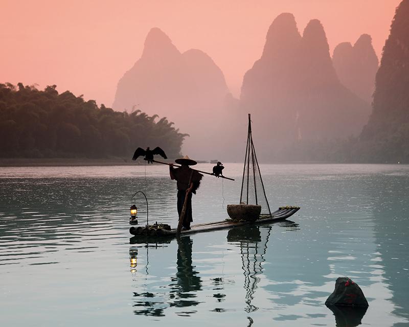 Декобокс Postermarket Китайский рыбак, 40 х 50 смDC-4013Декобокс Postermarket Китайский рыбак выполнен из бумаги, рама из МДФ. Современные технологии, уникальное оборудование и цифровая печать, используемые в производстве, делают постер устойчивым к выцветанию и обеспечивают исключительное качество произведений. Благодаря наличию необходимых креплений в комплекте установка не займет много времени. Декобокс - это прекрасная возможность создать яркий акцент при оформлении любого помещения. Картина обязательно привлечет внимание и подарит немало приятных впечатлений своим обладателям. Правила ухода: можно протирать сухой, мягкой тканью.
