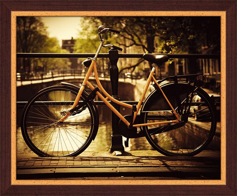 Картина Postermarket Велосипед в Амстердаме, 40 х 50 см. PM-4034PM-4034Картина Postermarket Велосипед в Амстердаме прекрасно подойдет для декора интерьера различных помещений. Постер представляет собой изображение автомобиля, выполненное в технике фотопечать. Картина для интерьера (постер) - это современное и актуальное направление в дизайне помещений. Ее можно использовать для оформления любых помещений (дом, квартира, офис, бар, кафе, ресторан или гостиница). работоспособность. Правильное оформление интерьера создает благоприятный психологический климат, улучшает настроение и мотивирует.Размер картины: 400 x 500 мм.
