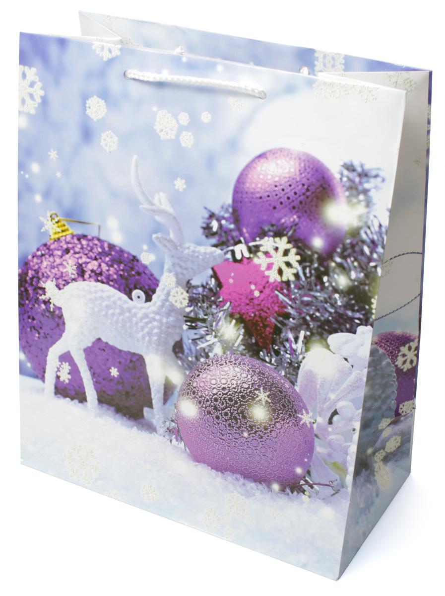 Пакет подарочный МегаМАГ Новый год, 26,4 х 32,7 х 13,6 см. 3136 L3136 LПодарочный пакет МегаМАГ, изготовленный из плотной ламинированной бумаги, станет незаменимым дополнением к выбранному подарку. Для удобной переноски на пакете имеются две ручки-шнурки.Подарок, преподнесенный в оригинальной упаковке, всегда будет самым эффектным и запоминающимся. Окружите близких людей вниманием и заботой, вручив презент в нарядном, праздничном оформлении.