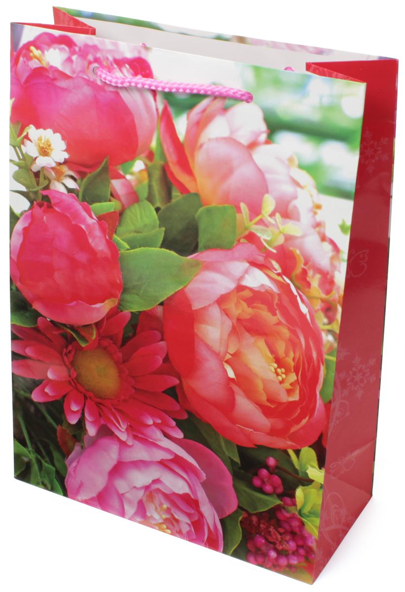 Пакет подарочный МегаМАГ Цветы, 22 х 31 х 10 см. 7001 ML7001 MLПодарочный пакет МегаМАГ, изготовленный из плотной ламинированной бумаги, станет незаменимым дополнением к выбранному подарку. Для удобной переноски на пакете имеются две ручки-шнурки.Подарок, преподнесенный в оригинальной упаковке, всегда будет самым эффектным и запоминающимся. Окружите близких людей вниманием и заботой, вручив презент в нарядном, праздничном оформлении.
