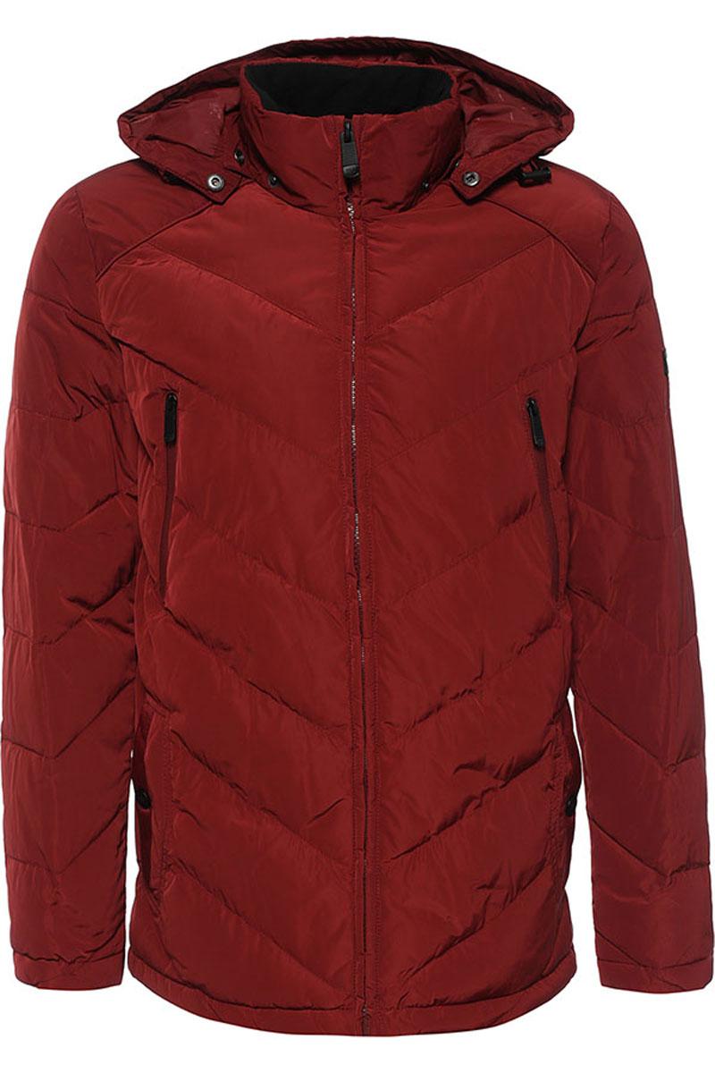 Куртка мужская Finn Flare, цвет: гранатовый. W16-22012_303. Размер L (50)W16-22012_303Стильная мужская куртка Finn Flare изготовлена из высококачественного полиэстера. В качестве утеплителя используется полиэстер.Куртка с воротником-стойкой и съемным капюшоном застегивается на застежку-молнию. Капюшон, дополненный регулирующим эластичным шнурком, пристегивается к куртке с помощью кнопок. Спереди расположены два прорезных кармана на кнопках, на груди - два прорезных кармана на застежках-молниях, с внутренней стороны - прорезной карман на застежке-молнии, накладной карман на пуговице и накладной карман на липучке.Манжеты рукавов дополнены трикотажными напульсниками. Нижняя часть модели регулируется с помощью эластичного шнурка со стопперами.