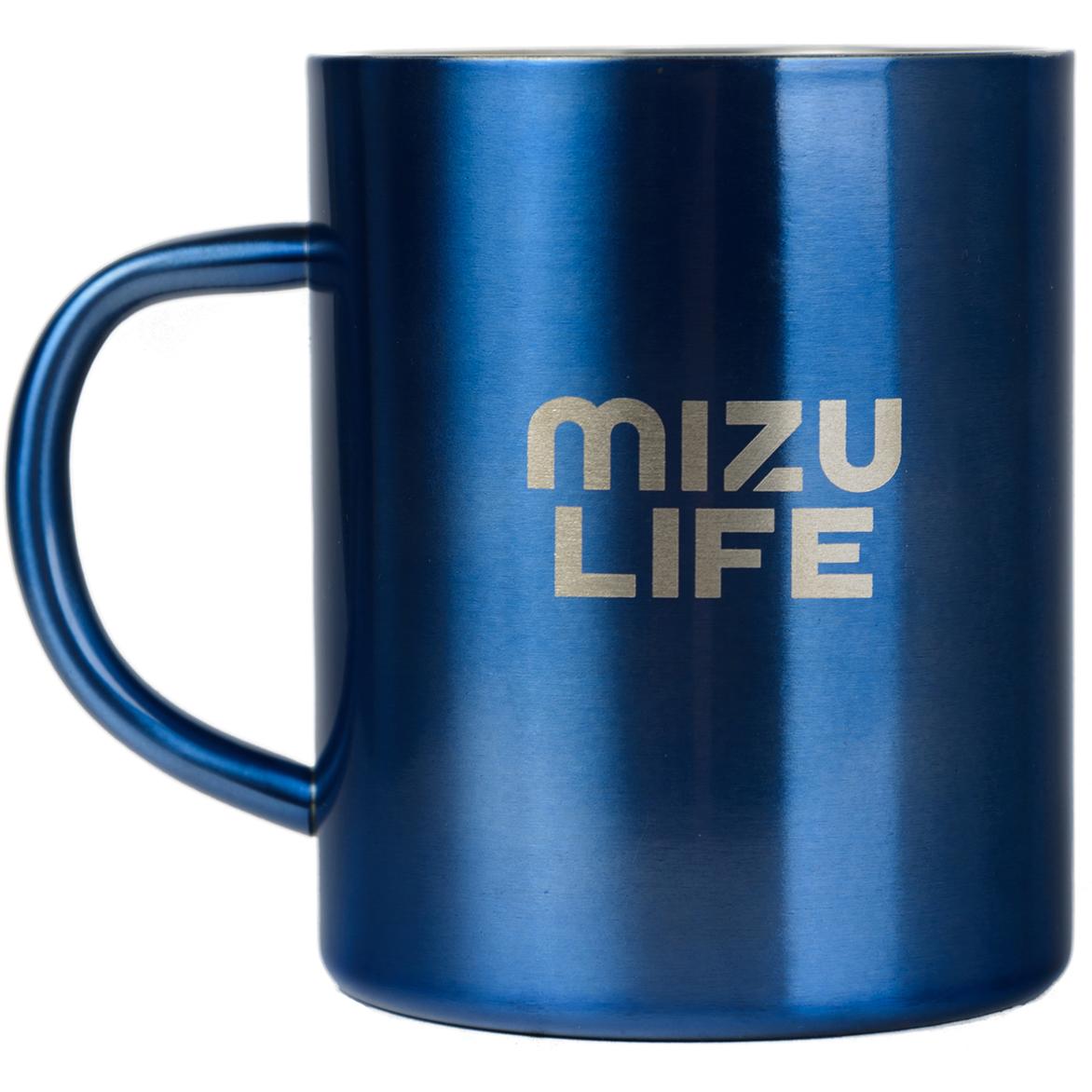 Термокружка Mizu, цвет: голубой, 420 млW01AMZACCQUAКружка Mizu выполнена из пищевой нержавеющей стали. На корпусе - фирменный логотип MIZU. Она пригодится в путешествия, в походах и на рыбалке. Объем: 420 мл. Диаметр: 8,5 см.